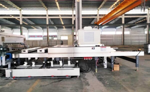 Side view of glass washing and drying machine
